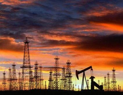 Petrolio ai minimi da oltre 5 anni